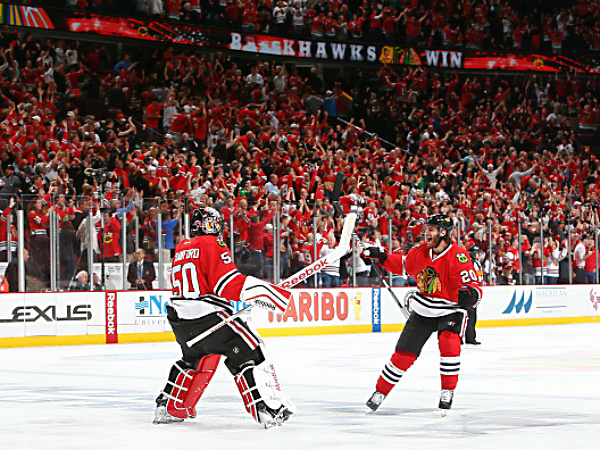blackhawks-beat-dukcs